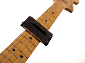 Holiday/Christmas 2012 gift ideas for guitarists