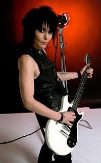 http://cdn.mos.musicradar.com/images/legacy/totalguitar/Joan 2.JPG