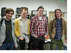 http://cdn.mos.musicradar.com/images/legacy/totalguitar/Steve Lawson, BIMM Bristol students.jpg