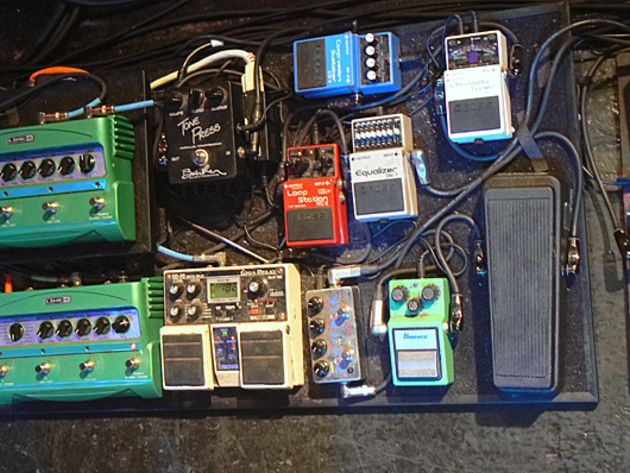 Pedalboard – More loops and some distortion