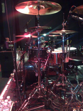 Boys like girls drum kit
