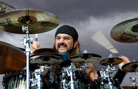 VIDEO: Mike Portnoy trashes kit at Manila gig