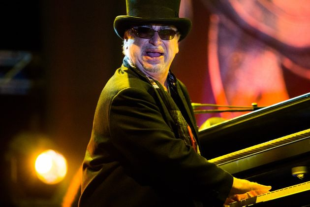 Toto's David Paich remembers Jeff Porcaro's playing on the monumental hit