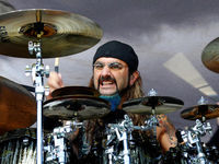 Mike Portnoy leaves Dream Theater