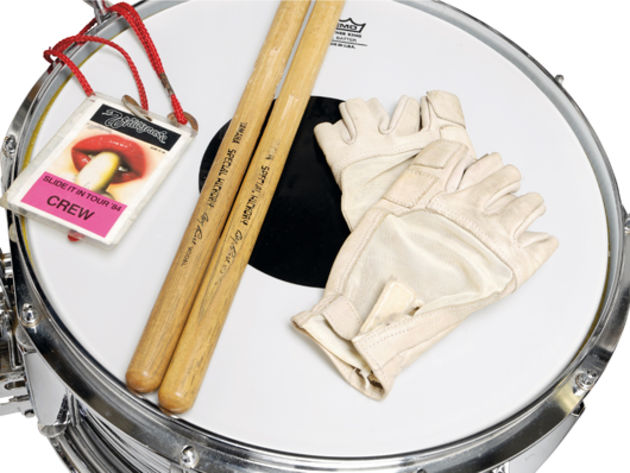 Cozy's sticks, gloves and laminate