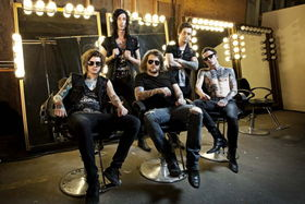 VIDEO: Onstage Nightmares with Asking Alexandria