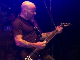 Video: Scott Ian (Anthrax) rig tour