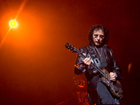 Tony iommi diagnosed with cancer