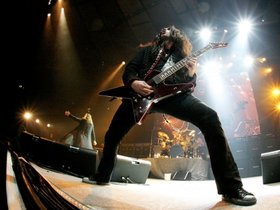 Gus g pays tribute to gary moore