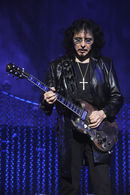 Tony Iommi pays tribute to Ronnie James Dio