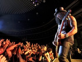 Slash and alter bridge jam onstage