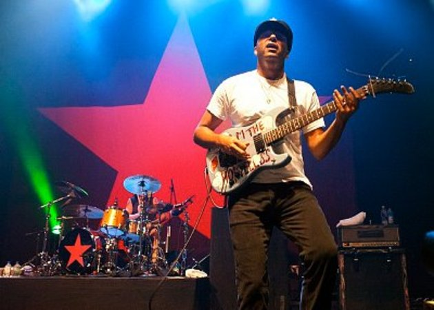 Tom morello, live with rage against the machine