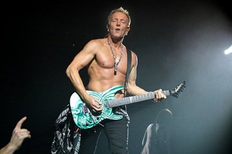 Def leppard interview phil collen live shot