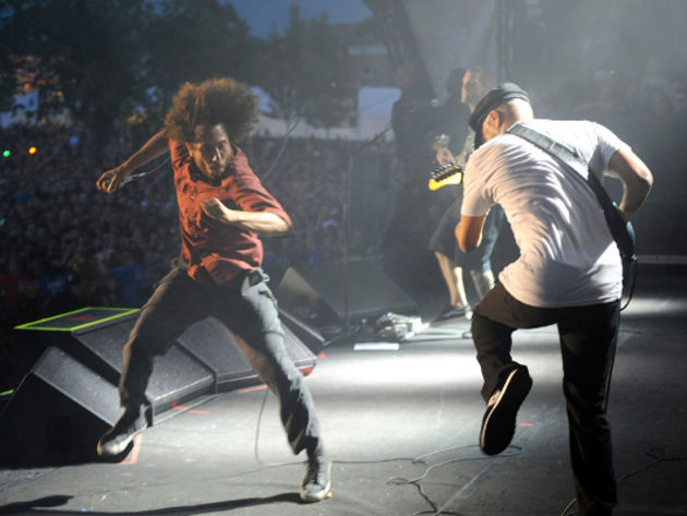 Rage Against The Machine – Renegades Of Funk