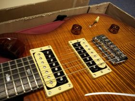 In pictures: PRS SE Custom 24 7-String unboxed