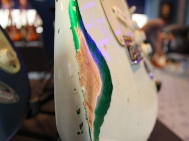 1960 Heavy Relic Sonic Blue/Candy Green Stratocaster (detail)