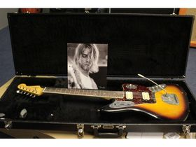 Hear the Fender Kurt Cobain Jaguar (TG222)
