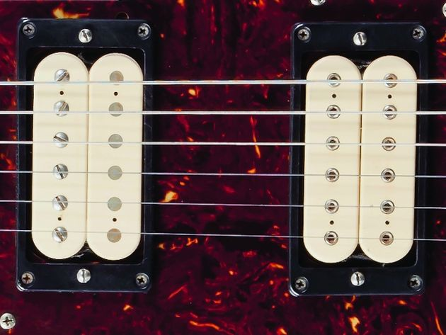 DiMarzio PAF and DiMarzio Super Distortion humbuckers in the neck and bridge positions respectively.