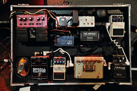 Steal their sound - dan smith the noisettes effects pedals