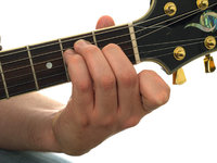 beginner guitar lessons barre chords fig 1