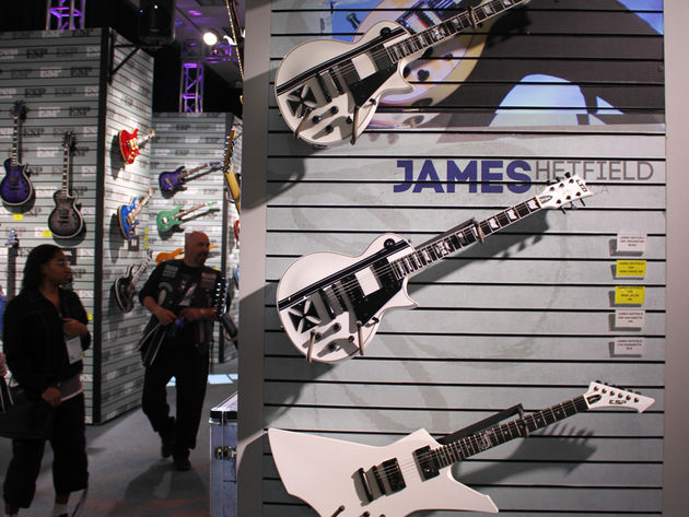 James Hetfield Signatures